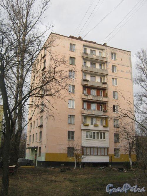 Ул. Зины Портновой, дом 46. Вид со стороны дома 52. Фото 24 февраля 2014 г.