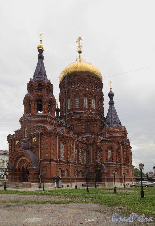 Двинская ул., д. 2. Церковь Богоявления.  Общий вид. Фото июль 2011 г.