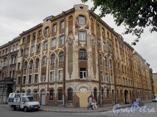 Улица Володи Ермака, дом 2. Общий вид. Фото июль 2011 г.