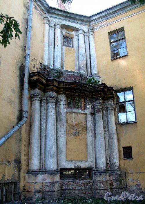 ул. Смольного, д. 3. Фрагмент здания. Фото август 2011 г.