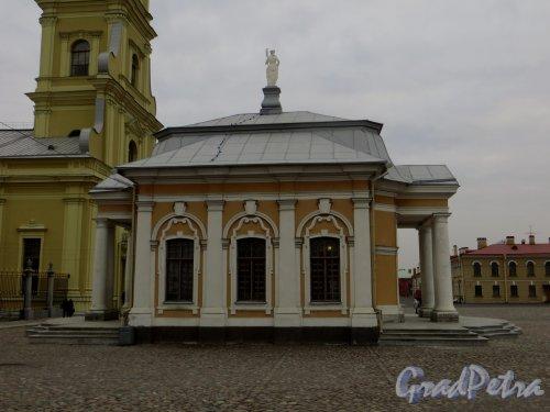 Петропавловская крепость, дом 3, литера Ч. Ботный домик. Фото 1 марта 2014 года.