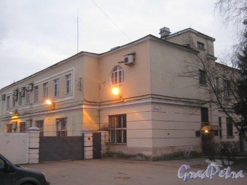 Г. Пушкин, ул. Чистякова, дом 11. Фрагмент здания. Фото 1 марта 2014 г.