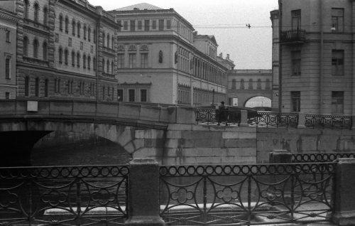 Миллионная ул., дом 35. Здание Нового Эрмитажа и Зимняя канавка. Фото 1979 года.