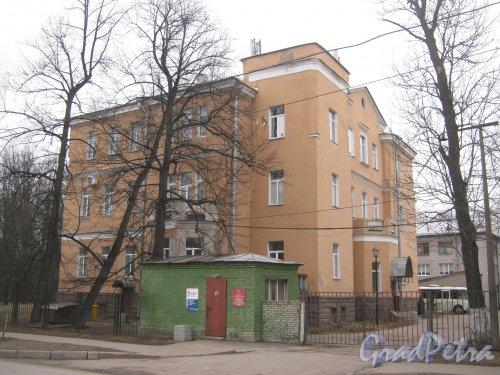 Г. Пушкин, ул. Жуковско-Волынская, дом 2. Общий вид. Фото 1 марта 2014 г.