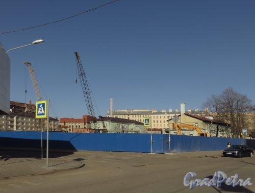 Малая Зеленина улица, улица, дом 1 / Корпусная улица, дом 22. Общий вид участка. Фото 22 марта 2014 года.