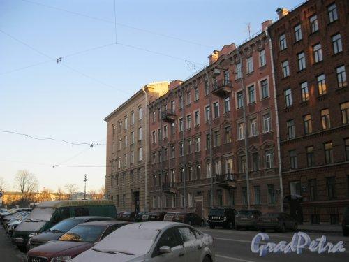 Тверская ул. Общий вид домов по нечётной стороне от Одесской ул. до пл. Пролетарской Диктатуры.  Фото 18 марта 2014 г.