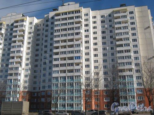 Ул. Доблести, дом 28, корпус 1. Общий вид со стороны фасада. Фото 11 марта 2014 г.