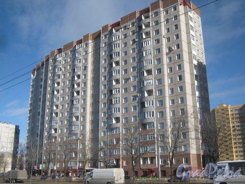 Ул. Доблести, дом 26, корпус 1. Общий вид со стороны фасада. Фото 11 марта 2014 г.