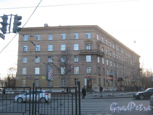 Ул. Седова, дом 19. Общий вид со стороны фасада. Фото 11 марта 2014 г.