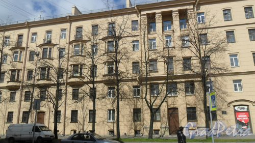 Улица Зои Космодемьянской, дом 1. Фото 6 мая 2014 года.