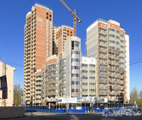 Смоленская ул., дом 18. Строительство жилого комплекса «Небо Москвы». Фото 2 мая 2014 года.
