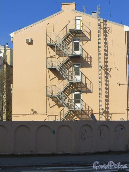 Смоленская улица, дом 27. Торец дома со стороны Заозерной улицы. Фото 2 мая 2014 года.