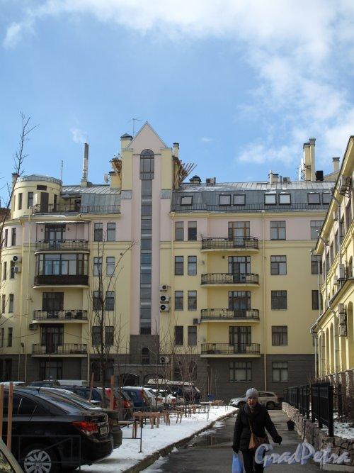 Шпалерная ул., д. 52. Дворовые фасады после реконструкции. Фото март 2014 г.