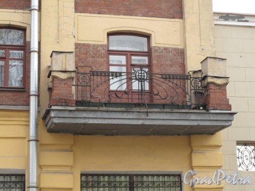 ул. Михайлова, д. 3. Доходный дом. Балкон. Фото март 2014 г.