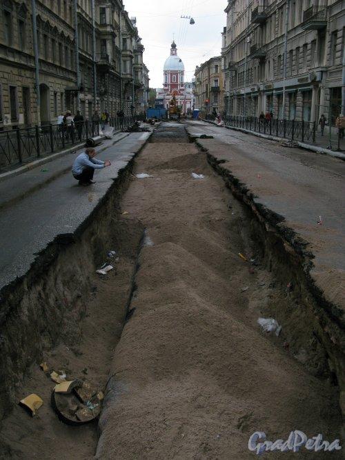 Улица Пестеля. Прокладка новых труб на от Литейного проспекта до Гагаринской улицы. Фото 12 сентября 2010 года.