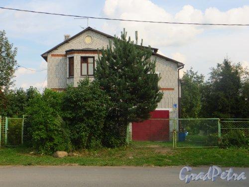 Лен. обл., Гатчинский р-н, Антропшинская улица, дом 218. Фото 29 июня 2014 года.