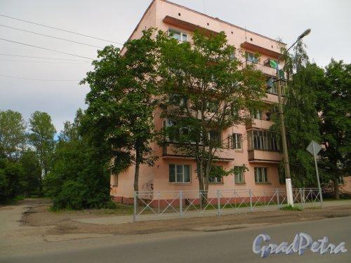 Ленинградская область, город Приозерск, Красноармейская улица, дом 13. Фото 4 июля 2014 года.