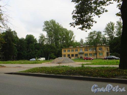 Алтайская улица, дом 39. Общий вид участка после сноса гаража-гостиницы. Фото 4 сентября 2014 года.