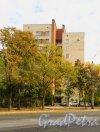 улица Ленсовета, дом 52. Общий вид жилого дома. Фото 19 сентября 2014 года.