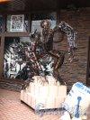 Ломоносова ул. (Парголово), д. 17. Музей Восстания машин. Оформление входа. Фото май 2014 г.