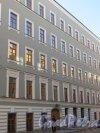 Фрагмент фасада здания апартаментов класса de-lux «Дом Монферран» со стороны Галерной улицы. Фото 21 сентября 2014 года.