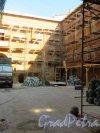 Галерная ул., дом 15. Реставрация дворовых флигелей. Фото 21 сентября 2014 года.