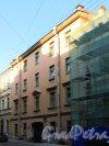 Галерная ул., дом 17. Общий вид фасада. Фото 21 сентября 2014 года.
