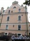 Г. Выборг, ул. Северный Вал, д. 3. Дом купца Йохана Векрута вжилое здание с Кафе. Часть Фасада со стороны ул. Северный вал. Фото июнь 2014 г.