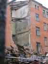 Улица Мира, дом 36. Снесенная часть лицевого здания. Фото 9 марта 2015 года.