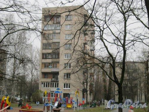 Будапештская ул., дом 35, корпус 1. Общий вид со стороны дома 10, корпус 2 по пр. Славы. Фото 3 ноября 2014 г.