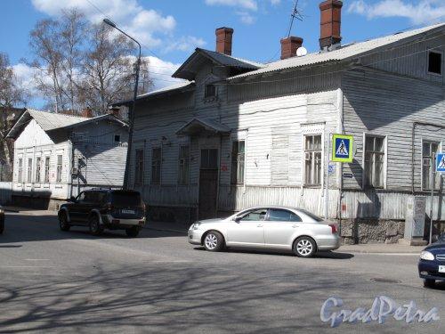 Выборг, Крепостная ул., д. 42а. Жилой деревянный дом. фото апрель 2014 г.