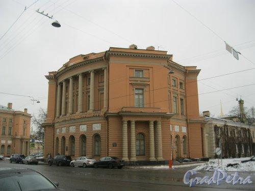 Инженерная ул., дом 10. Общий вид здания. Фото 2 февраля 2014 г.