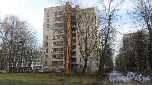 Улица Новороссийская, дом 8, корпус 2. Фото 6 марта 2015 года.