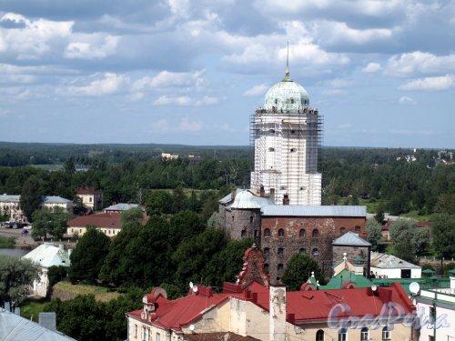 г. Выборг. Вид с Часовой башни на Башню св. Олафа. Фото июль 2009 г.
