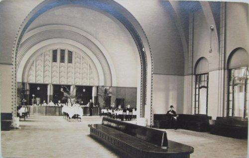 город Выборг. Ресторан в каменном железнодорожном вокзале города Выборга. Фото начала XX века.
