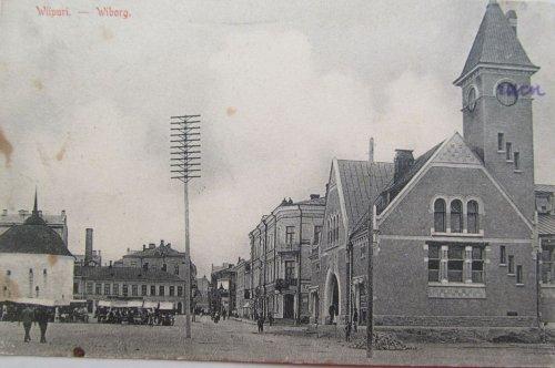 город Выборг, перспектива Mustainveljestenkatu (ныне Красноармейская улица) от рыночной площади в сторону Выборгской улицы. Фото начала XX века.