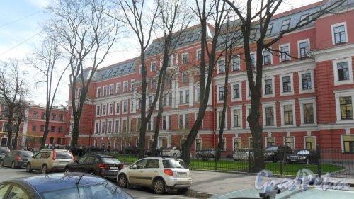 10-я Красноармейская улица, дом 22, литер А. Бизнес-центр «Келлерман», общая площадь 25 868,9 квадратных метра. Фото 5 мая 2015 года.