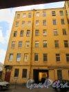 улица Мира, дом 35, литера А. Дворовый (внутренний) корпус жилого дома. Фото 8 сентября 2014 года.