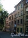 Плуталова улица, дом 15. Общий вид здания. Фото 28 августа 2011 года.