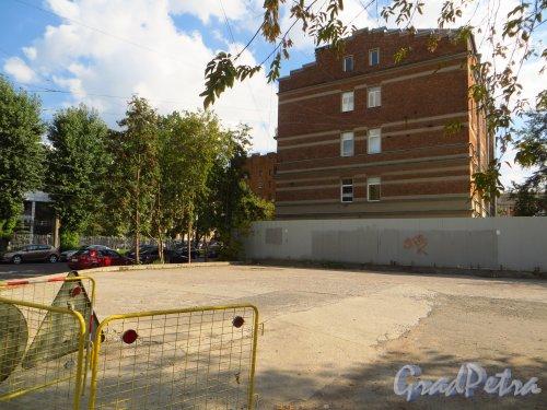 улица Мира, дом 37. Участок у дома 4 по улице Котовского. Фото 8 сентября 2014 года.