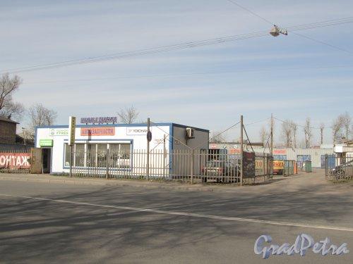 Уральская улица, дом 9, литера А. Общий вид участка. Фото 30 апреля 2012 года.