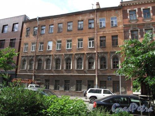 Подольская ул., д. 33. Доходный дом, 1868, арх. И.И. Буланов. Общий вид. фото июнь 2014 г.