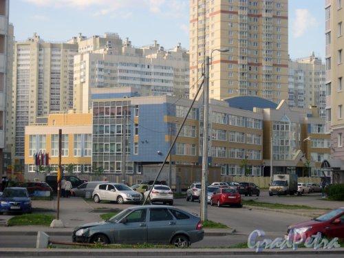 Ул. Маршала Захарова, дом 16, корпус 4, литера А. Общий вид здания с ул. Маршала Захарова. Фото 27 мая 2015 г.