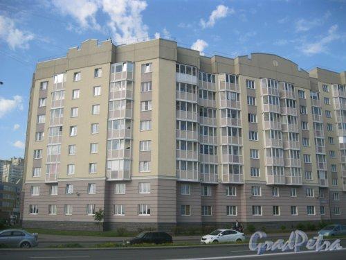 Ул. Маршала Захарова, дом 18, корпус 1, литера А. Общий вид здания с ул. Маршала Захарова. Фото 27 мая 2015 г.