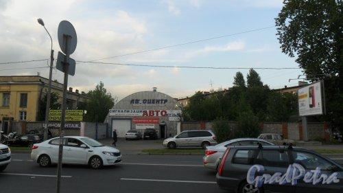Улица Белоостровская, дом 9,литер К. Автоцентр. Автозапчасти на заказ. Фото 4 сентября 2015 года.