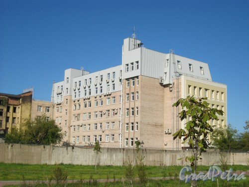 Ул. Смолячкова, дом 19. Общий вид с Гренадерской ул. Фото 11 сентября 2015 г.