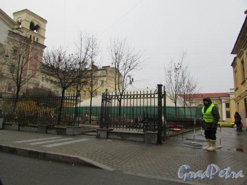 Сквер без названия № 18040 на улице Правды, дом 13. . Фото 15 декабря 2015 года.