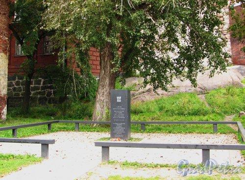 Лен. область, г. Выборг. Полевое кладбище города Выборга. Общий вид участка. Фото 19 августа 2012 года.