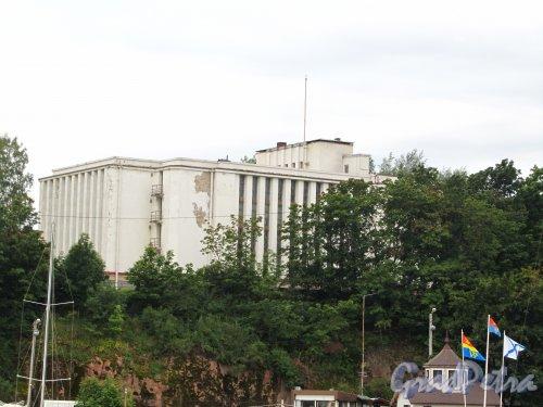 Лен. область, г. Выборг, ул. Штурма, дом 1. Здание Выборгского областного архива. Фото 19 августа 2012 года.