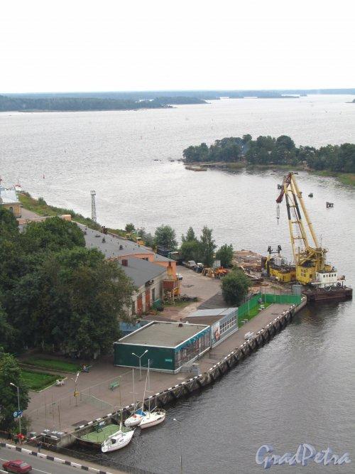 Лен. область, г. Выборг, ул. Южный Вал, дом 1. Хозяйственные постройки Выборгского порта. Фото 19 августа 2012 года.